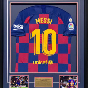 Leo Messi signed FC Barcelona Memorabilia Official